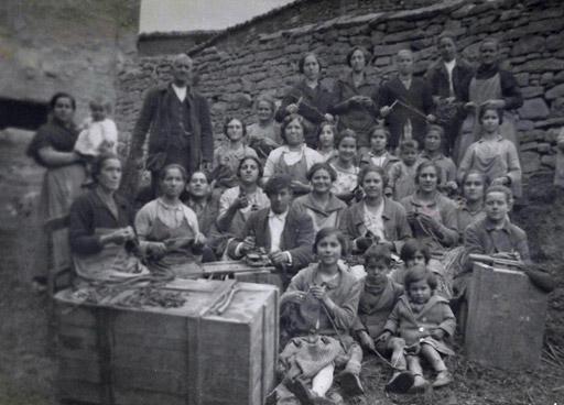 Familia García. Injerto artesano en los años 20 en Larraga (Navarra).